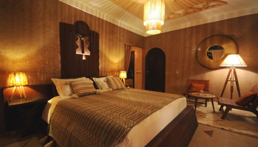 https://www.villamalikasilvana.com/wp-content/uploads/2020/12/La-suite-cochenille-5-870x496.jpg